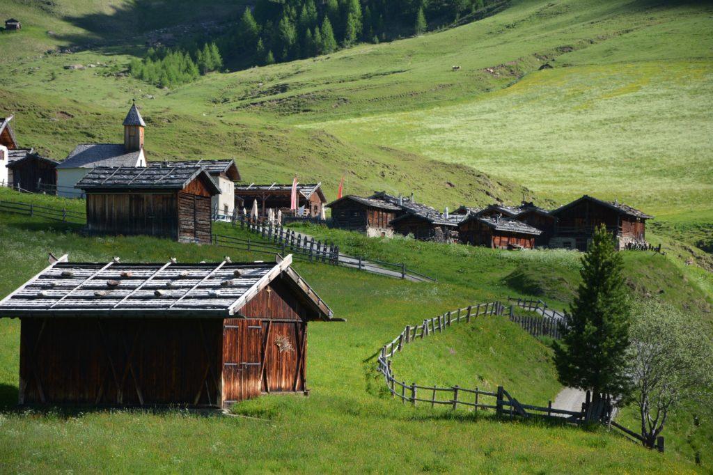 Die Fanealm - ein uriges Almdorf in den Pfunderer Bergen, Südtirol
