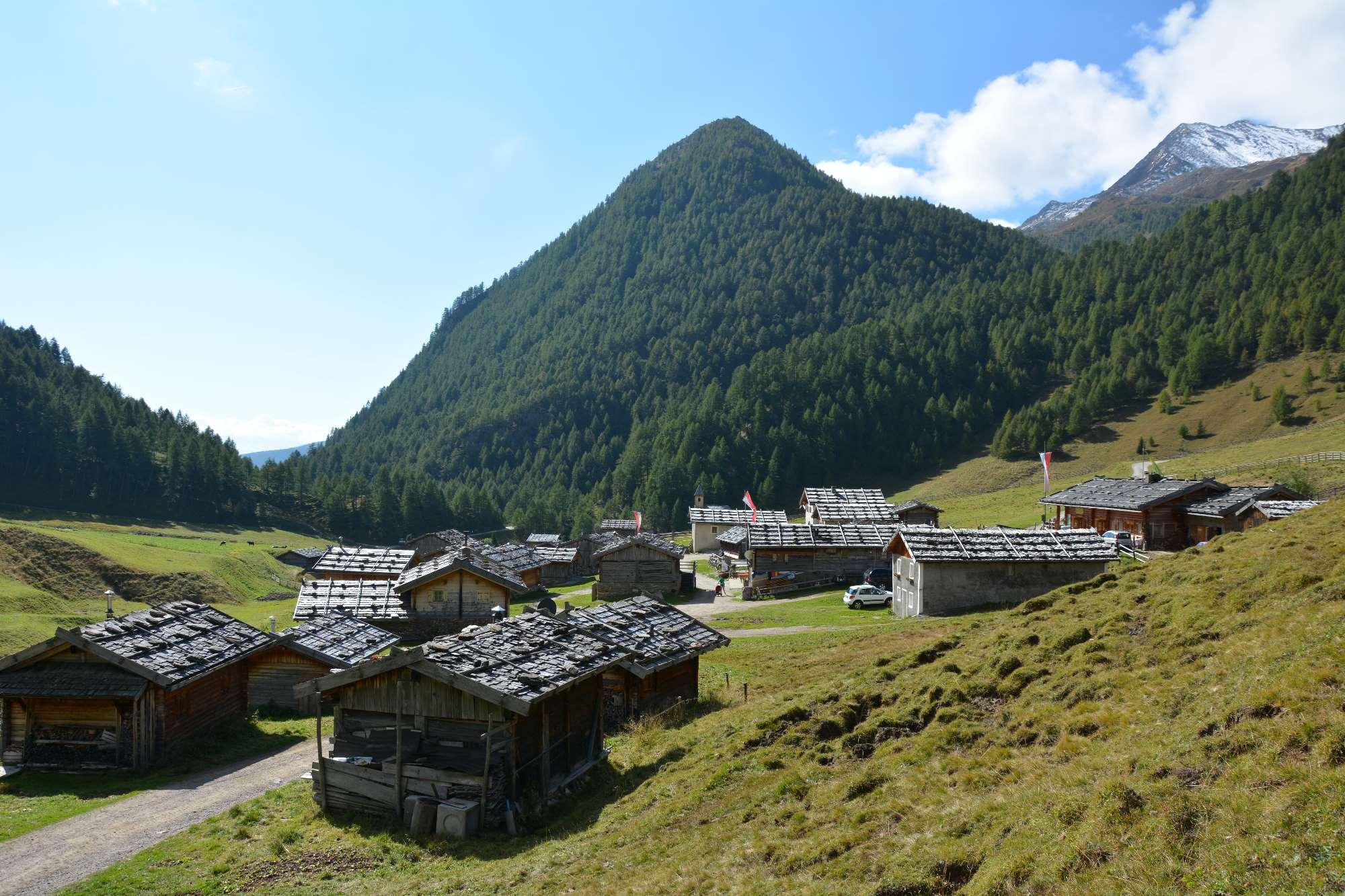 Das Almdorf in Südtirol